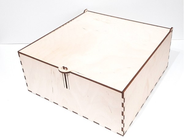 Коробка 197 с замком, фанера.